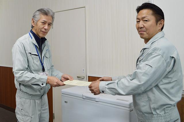 画像左 水間急配株式会社 奈良営業所 係長 岩切様 画像右 森嶋さん